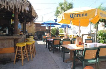 Sniki Tiki Tropical Bar on Siesta Key