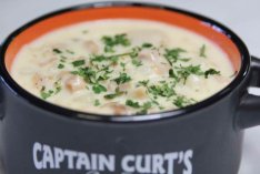 Captain Curts clam chowder